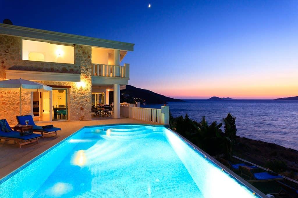 Simpson Travel villa
